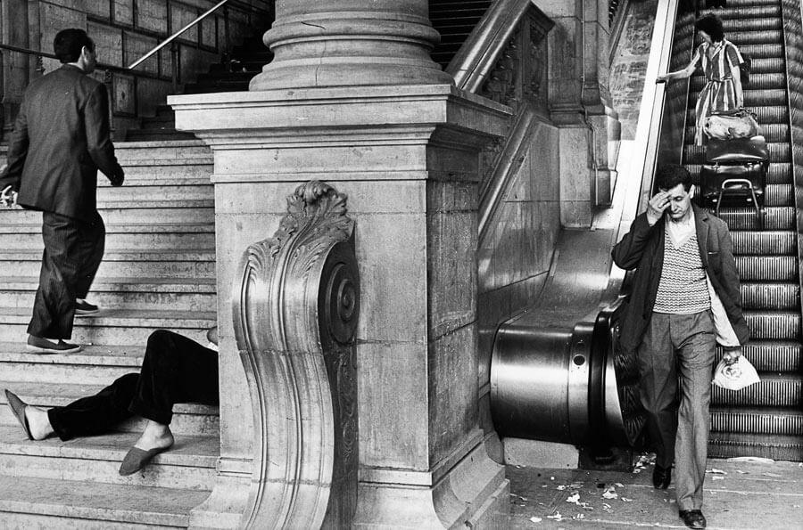 Gare Saint-Lazare, 1982 - Marc Riboud